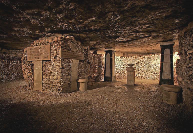 http://www.deus1.com/images/foto-blog/Katokomby-Parija/Catacombes%20de%20Paris%20(32).jpg